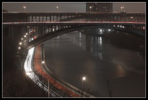 Harlem River, Manhattan/Bronx ... Saturday night, by Timothy Vogel, licence CC
